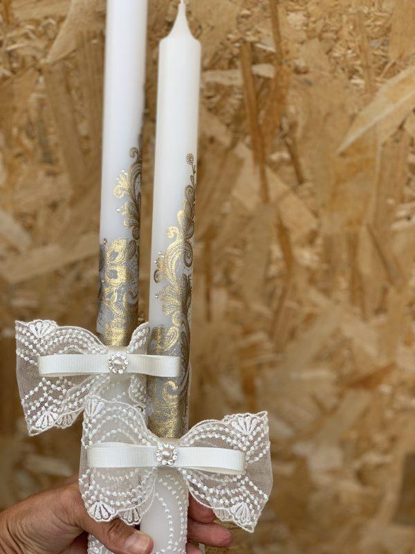 Сватбени свещи с инкрустирана златна дантела