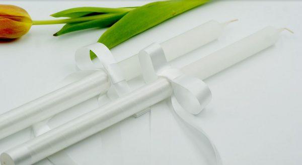 Бели класически сватбени свещи