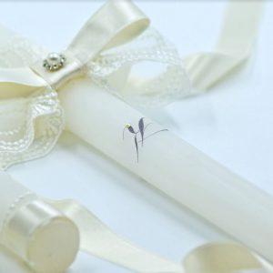 Сватбени свещи със семпли инициали и красива дантела