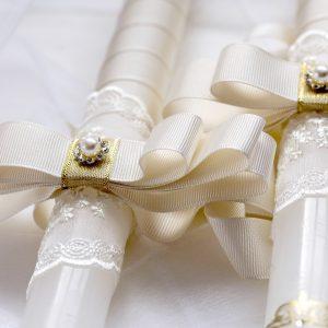 Сватбени свещи в бароков стил с инициали, красиви орнаменти, сатен и дантела
