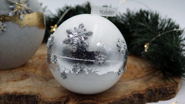"""Бяла Коледна свещ """"Сребърни снежинки"""" - NCandles - Снимка 3"""