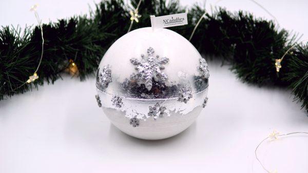 """Бяла Коледна свещ """"Сребърни снежинки"""" - NCandles"""